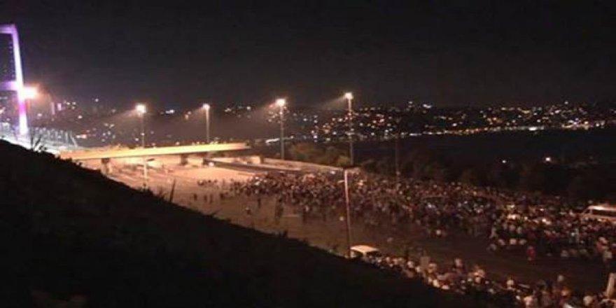 On binlerce kişi Boğaziçi Köprüsü'ne akın etti!