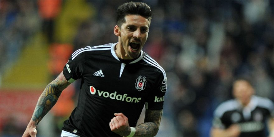 Beşiktaş'tan Jose Sosa kararı