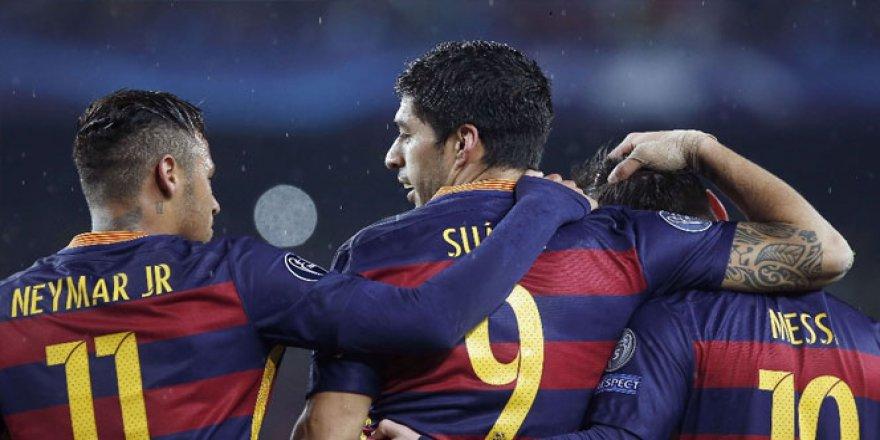 Barcelona'dan tarihi gelir