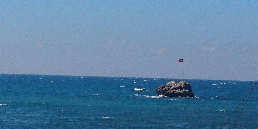 Köylülerden demokrasi bayrağı