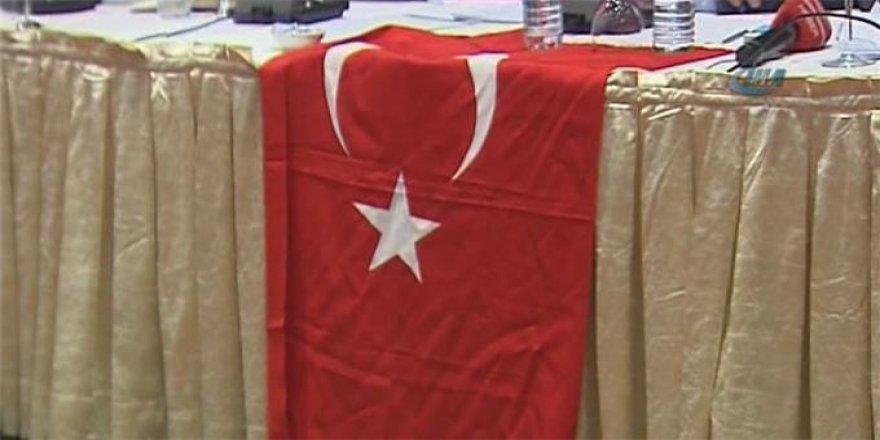 O ülkeden Türk bayrağına Skandal yasak!