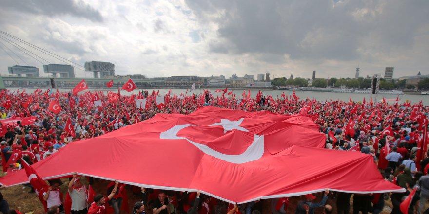 Köln'de Erdoğan'ın mesajı okundu