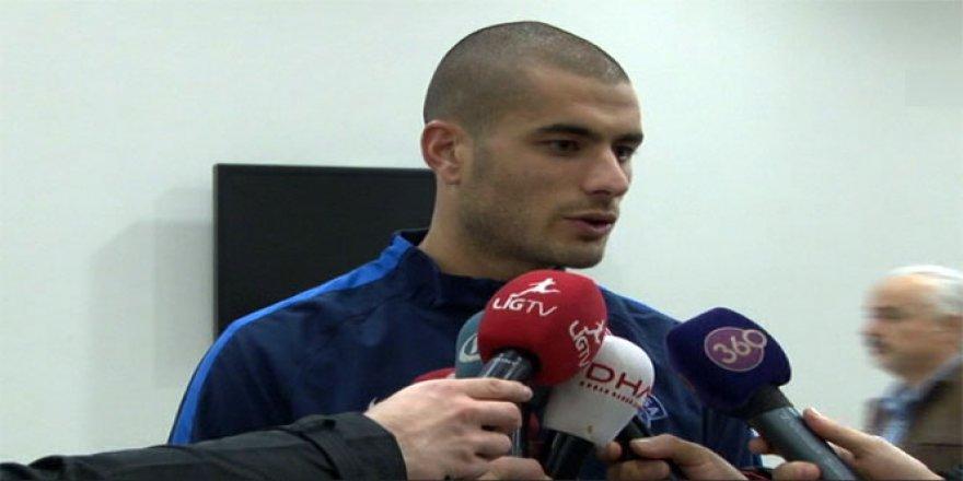 Galatasaray forvet oyuncusu Eren Derdiyok'u borsaya bildirdi