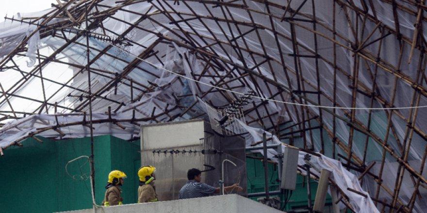 Hong Kong'u Nida tayfunu vurdu! Hayat durma noktasına geldi