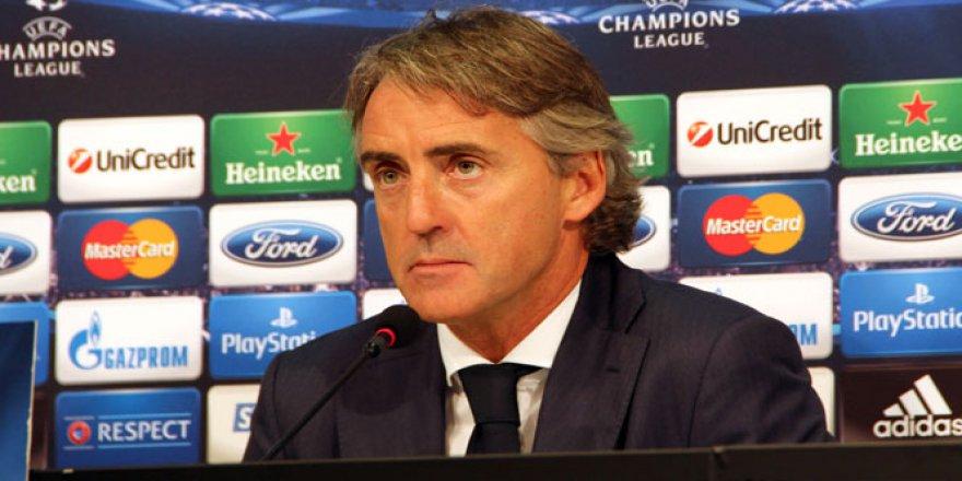 Roberto Mancini Inter'den kovuldu