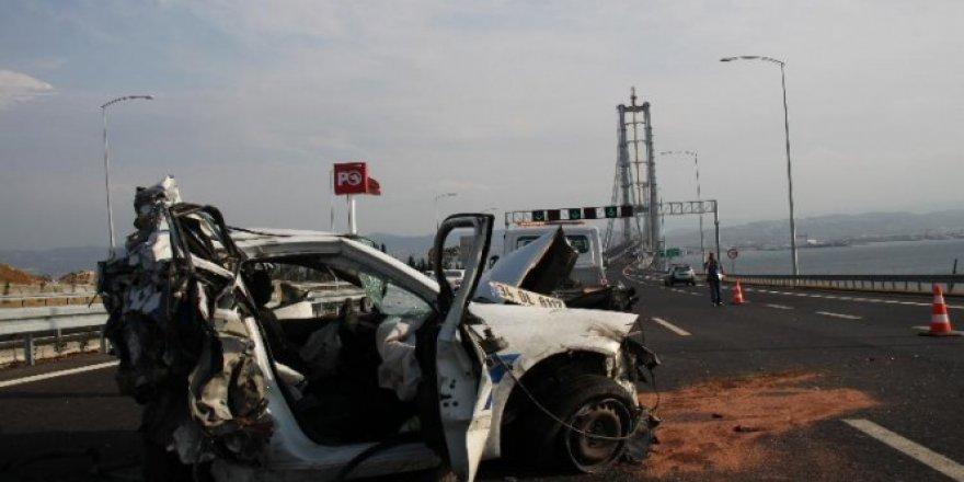 Osmangazi Köprüsü'nde feci kaza: 1 polis şehit oldu