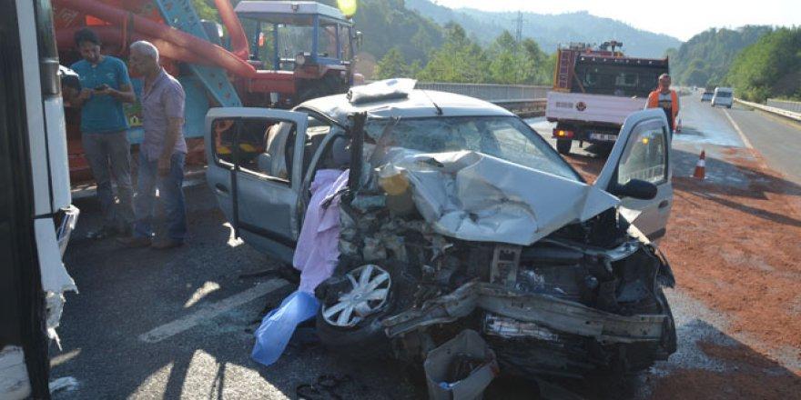 Fatsa'da trafik kazası: 2 ölü, 1 ağır yaralı