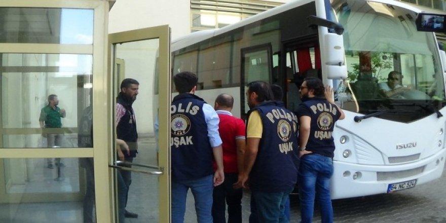 Uşak'ta FETÖ soruşturmasında 20 'abla' tutuklandı