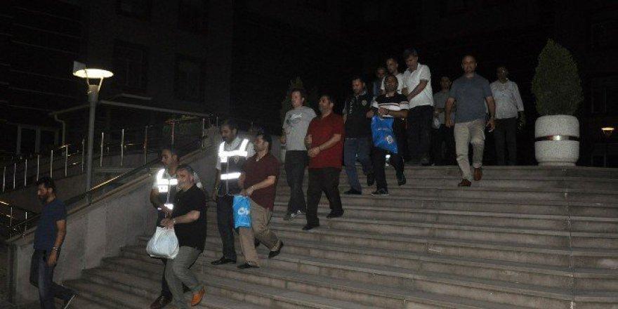 İnegöl'de Fetö Operasyonunda 8 Tutuklama