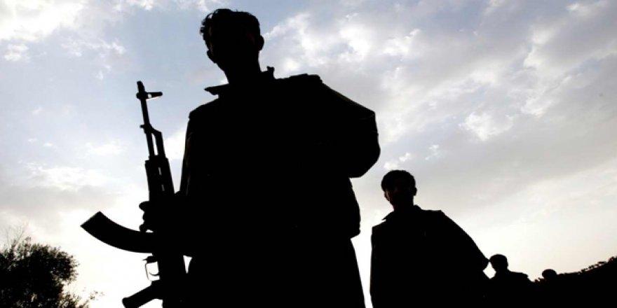 Van'da korucuları taşıyan minibüse saldırı: 4 Şehit