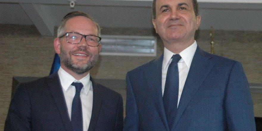 """Bakan Ömer Çelik: """"Vize Serbestisi Konusunda Net Bir Tarih Verilmezse...''"""