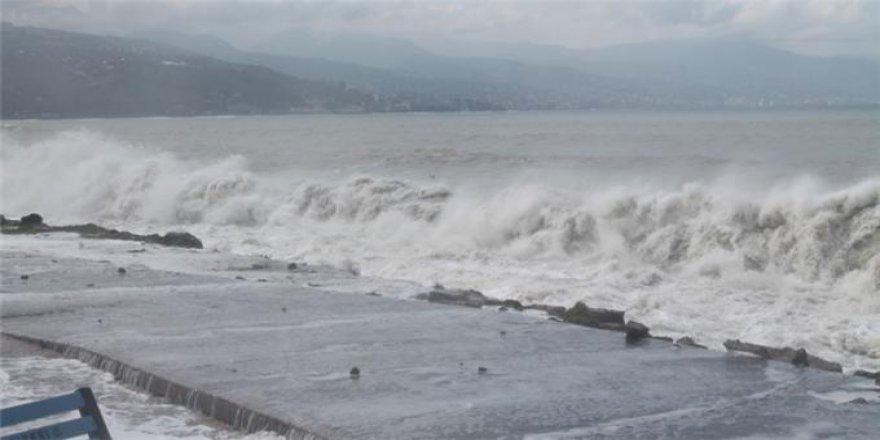 Tekirdağ'da Denize Giren Baba Adnan A. Boğuldu, Oğlu Burhan A. Kayboldu!