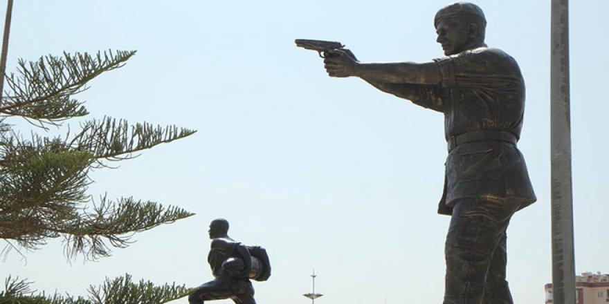 Ömer Halisdemir'in anıt heykeli dikildi