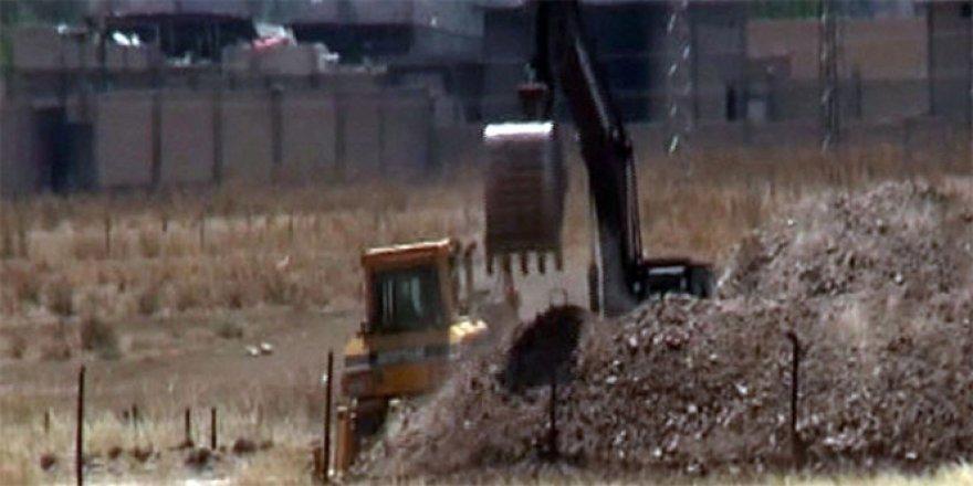 Gaziantep, Karkamış sınır hattında hendek kazılıyor