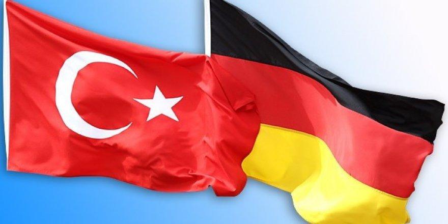 Almanya-Türkiye arasında ki gerilim G20'yi bekliyor..