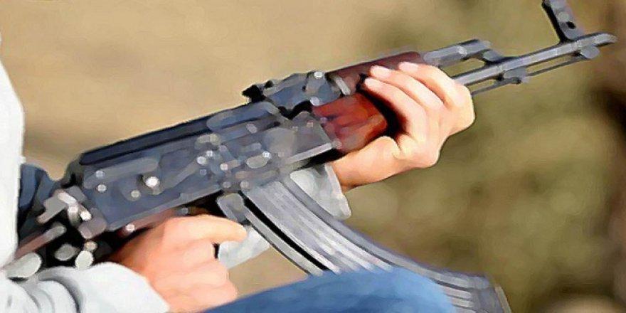 Siirt'te teröristlerden sivil araca saldırı!