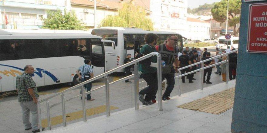 Aydın'daki FETÖ Soruşturmasında 408 Kişi Tutuklandı!
