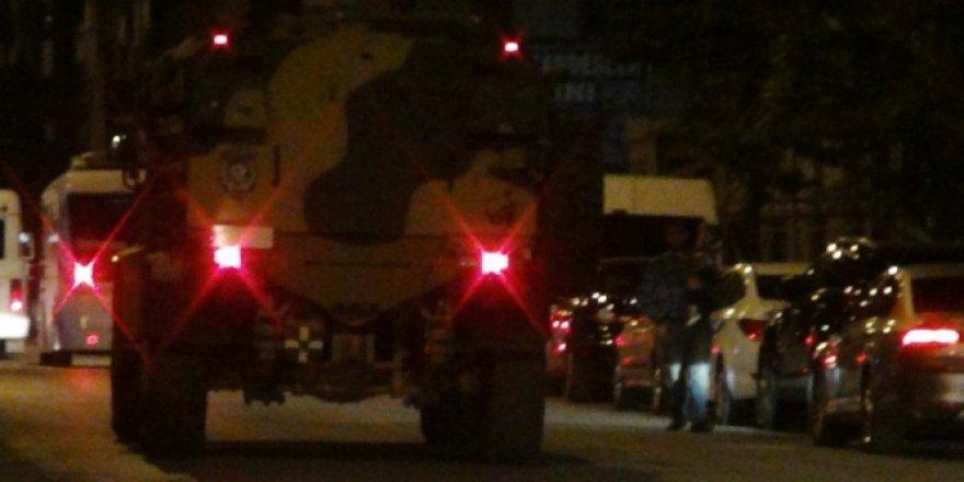 Bitlis, Tatvan'da askeri aracın geçişi sırasında patlama: 2 asker yaralı..