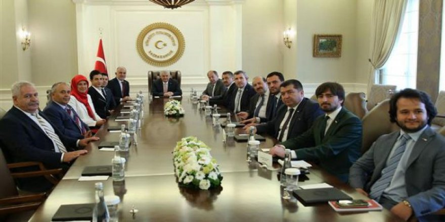 Başbakan Kızılay heyetini kabul etti
