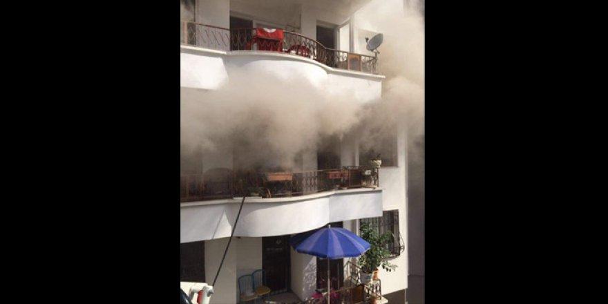 Mersin'de ocakta unutulan yemek yangına neden oldu!