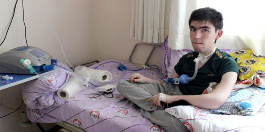 Duchene Muskuler Distrofi (DMD) hastası Mustafa'nın tek çaresi kök hücre nakli!