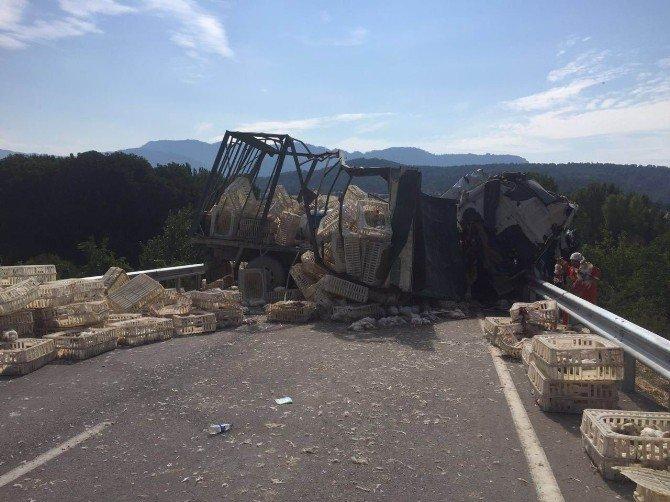 Göynük ilçesindeTrafik Kazası: 2 Ölü, 1 Yaralı