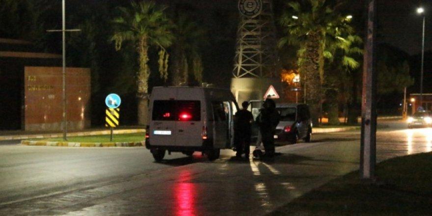 İzmir, Ege Üniversitesi ana girişinde bomba paniği!