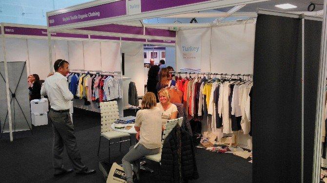 İzmir'de Hazır Giyim İhracatçıları Paris Yolcusu