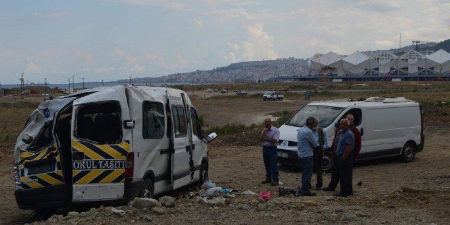 Trabzon, Akyazı'da bayram dönüşü trafik kazası: 12 yaralı
