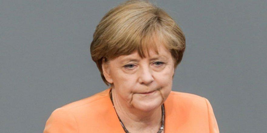 """Merkel: """"Kritik bir durumdayız"""""""