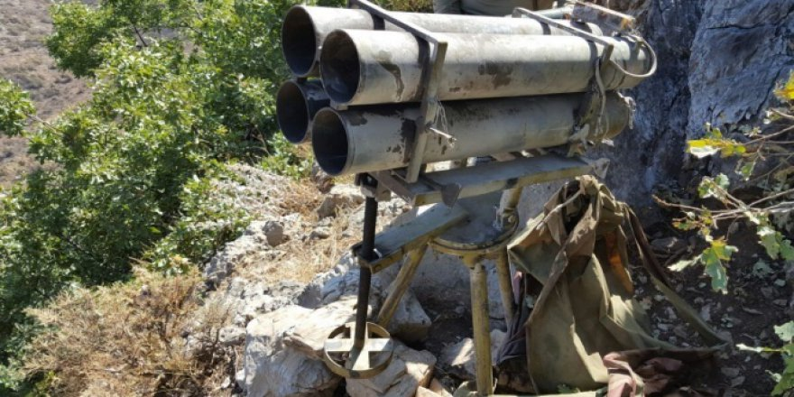 Hakkari, Çukurca'da çok namlulu roketatar ele geçirildi