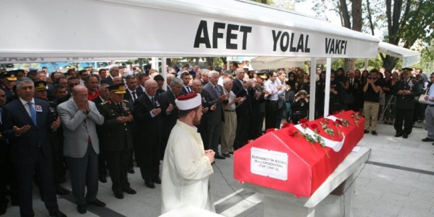 Eski MİT Müsteşarı Emekli Orgeneral Burhanettin Bigalı son yolculuğuna uğurlandı