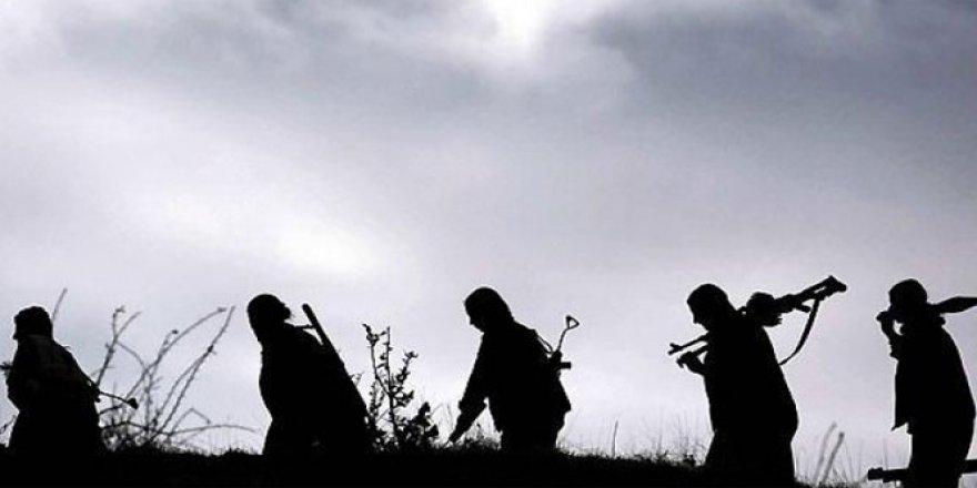 Hakkari'de 2'si uzman çavuş 4 kişi PKK'lı teröristler tarafında kaçırıldı