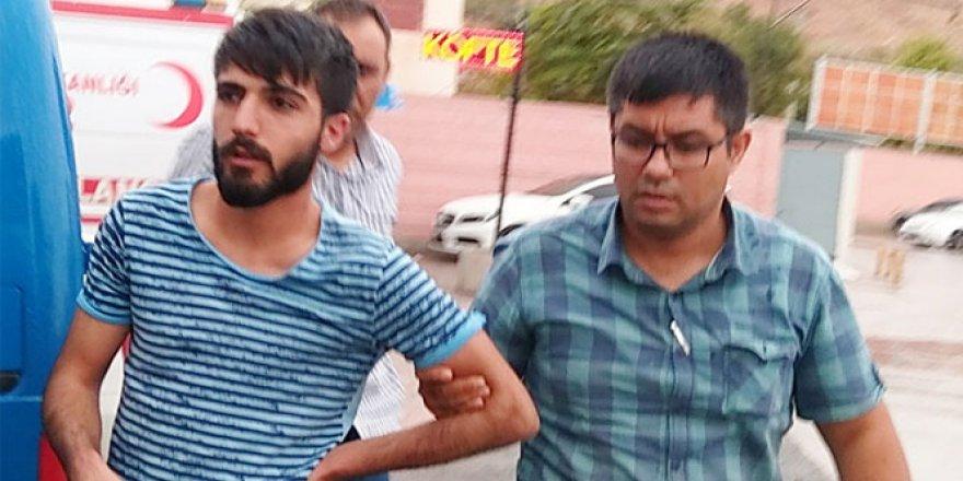 Aksaray'da Bir Şahıs Kimlik Soran Polisi Isırdı!