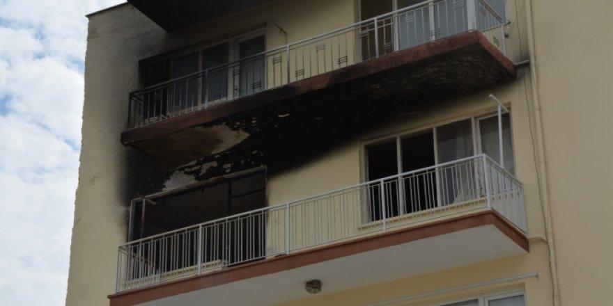 Aydın, Söke'de yangında mahsur kalan öğretmen son anda kurtarıldı