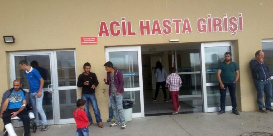 Bitlis'te minibüsle taksi çarpıştı: 12 yaralı