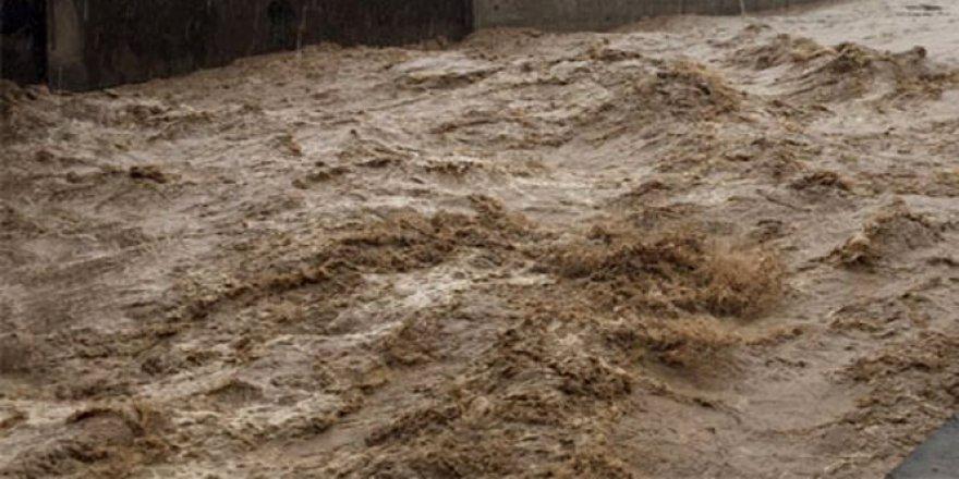 Trabzon, Beşikdüzü'nde sel: 2 ölü
