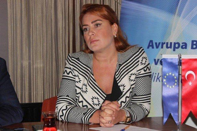 Edirne'de Ab Bilgi Merkezi Şiddet Gören Kadınlara Çözüm Arayacak