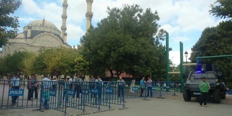 Gaziantep'te Ulucami'ye yönelik canlı bomba alarmı!