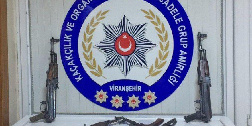 Şanlıurfa, Viranşehir'de 4 Kalaşnikofla Yakalanan 2 Şüpheli Tutuklandı