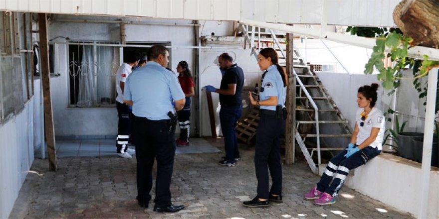 Antalya'da bir kişi afasına ıslak havlu sarıp elektrik vererek intihar etti!