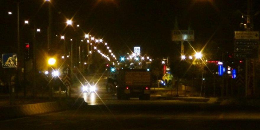 Van, Erciş'te kamyondaki 4 tonluk bombanın düzenekleri iptal edildi