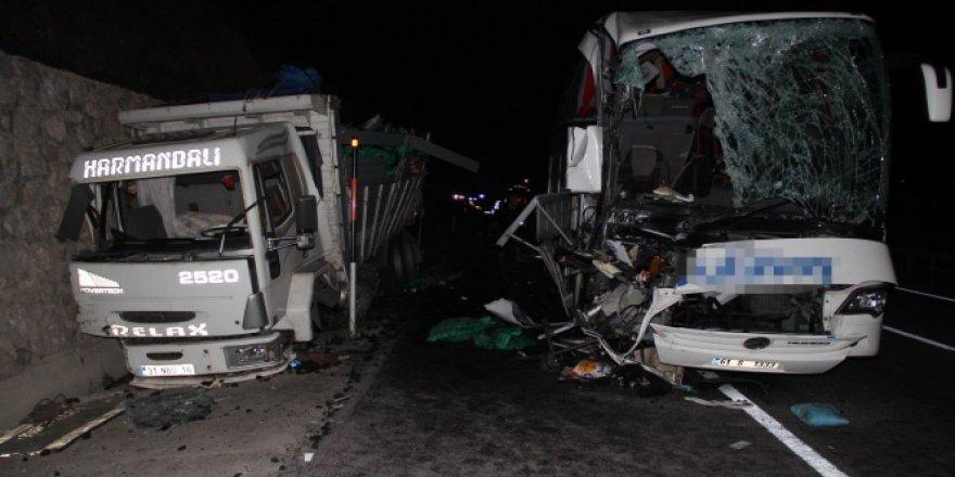 Samsun'da Otobüs kazası 1 ölü 39 yaralı