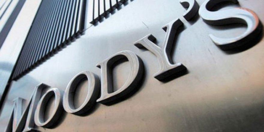 Moody's 14 bankanın notunu düşürdü