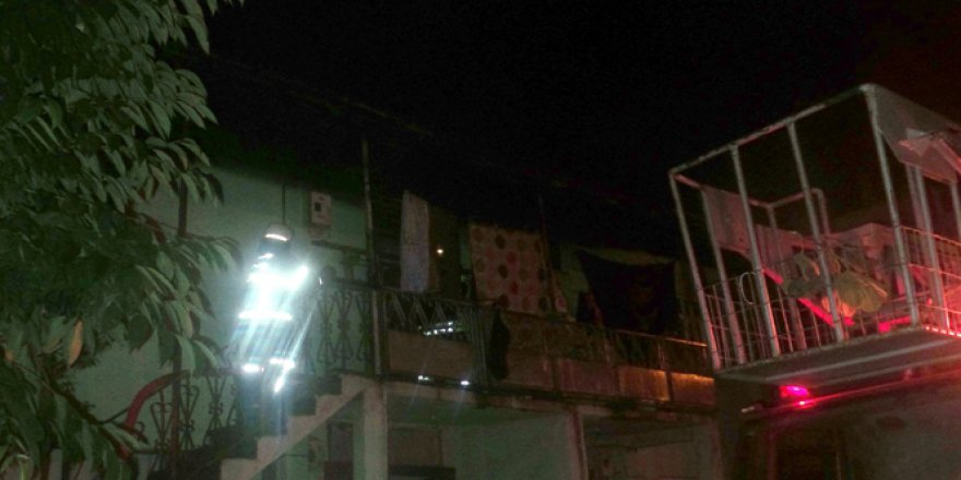 Düzce'de karı-kocayı alevlerin arasından komşuları kurtardı