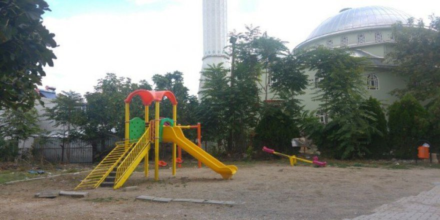 Bursa'da 8 Yaşındaki Çocuk, Parkta Bulduğu Kuru Sıkı Tabancayla Oynarken Arkadaşını Yaraladı...