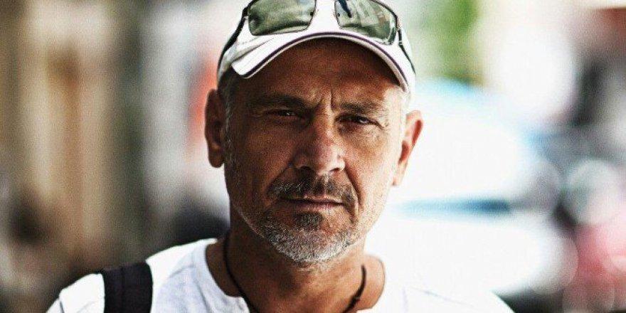 İzmirli Fotoğraf Sanatçısı Erkan Çamlılar, Konak Saat Kulesi'ni Ölümsüzleştirdi