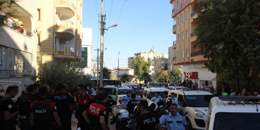 Şanlıurfa'da iki komşu arasında kavgası: 1'i polis 2 kişi yaralandı