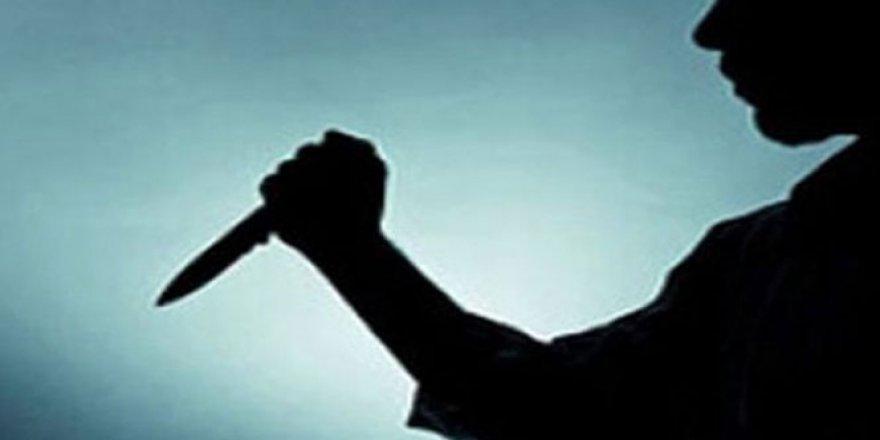 Zonguldak'ta bir kişi annesinin cenazesinde yeğenini bıçakladı