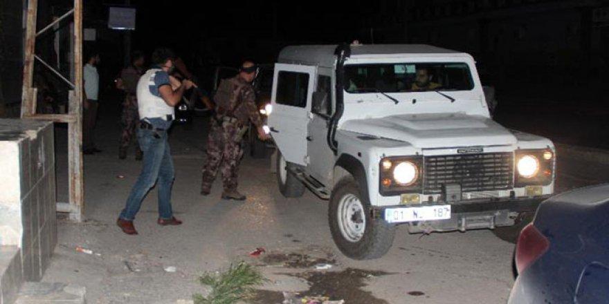 Adana'da uygulama noktasına bomba atıldı, polis operasyon başlattı